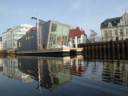 Casa - barca galleggiante
