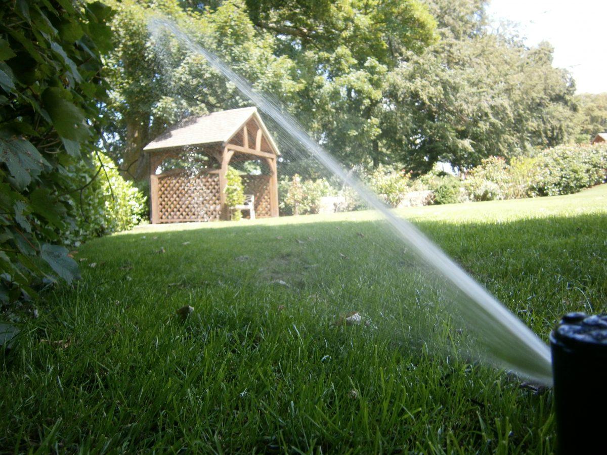 Impianto di irrigazione in giardino for Sistemi di irrigazione giardino