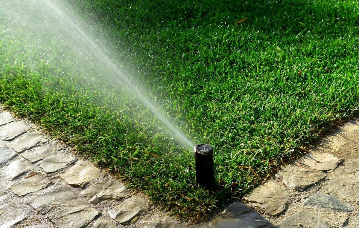 Impianto di irrigazione in giardino for Impianto irrigazione automatico