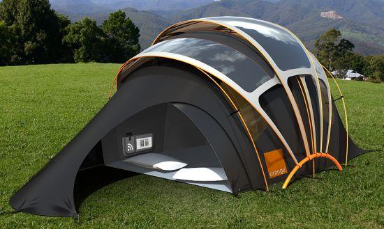 La tenda solare da campeggio con i pannelli fotovoltaici