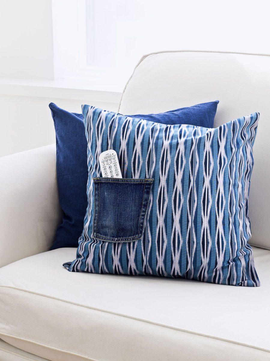 Cuscini Di Jeans.Cuscini Per Divani 10 Modelli Dal Design Curioso