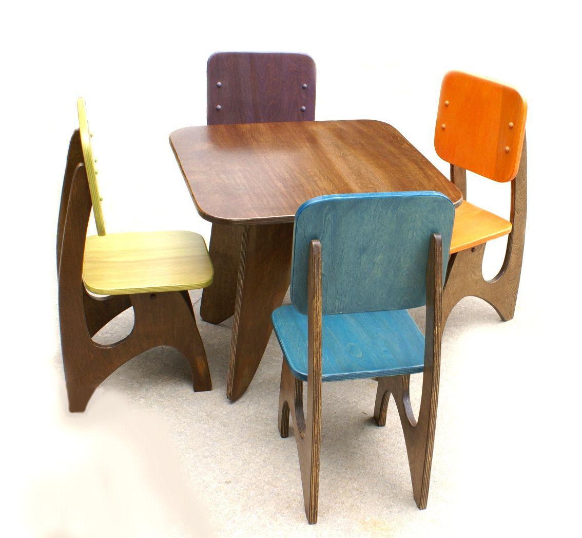 tavolo-bambini-legno-scuro