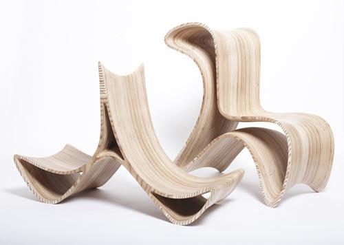 Galleria foto - Una sedia in legno dal design originale Foto 1