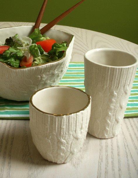 Bicchieri e scodelle in ceramica o tessuto?