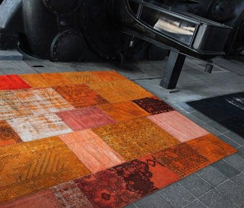 tappeto arancione moderno