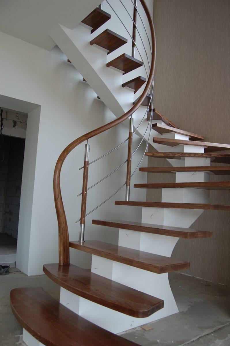 ringhiera-design-corrimano-legno
