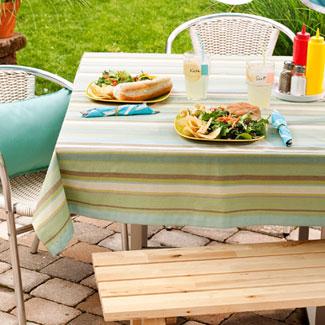 Galleria foto - Apparecchiare la tavola per pranzi e cene in giardino Foto 15