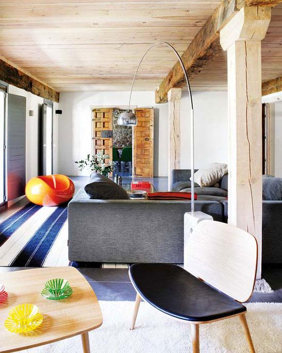 Arredamento rustico moderno for Arredamento moderno casa