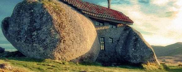 casa tra due pietre