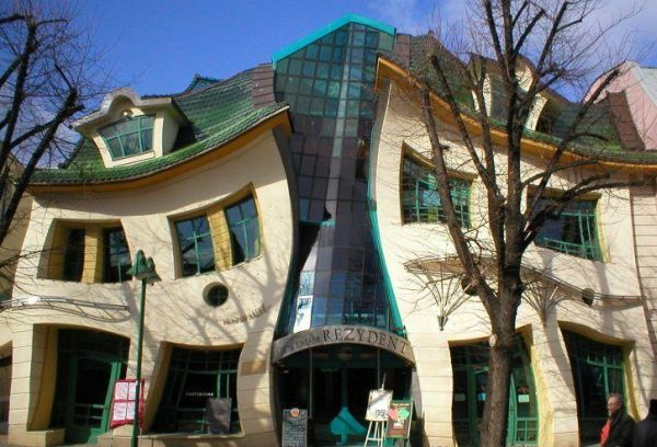 crooked_house