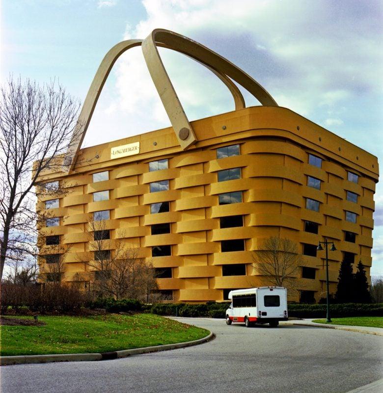 edificio a forma di cestino