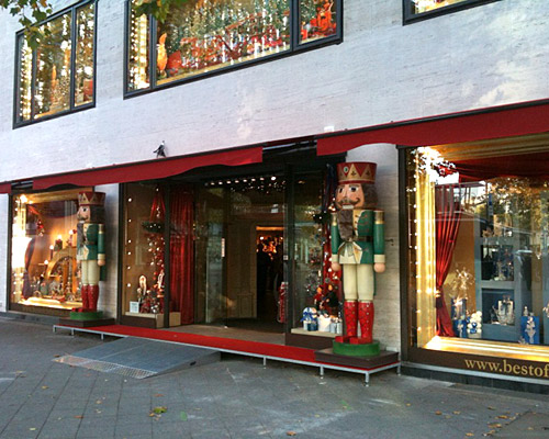 Galleria foto - Come addobbare il negozio per natale Foto 59