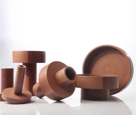 Ombre: oggetti in argilla di Mario Ferrarini