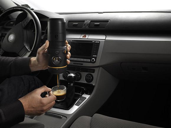 Caffettiera portatile per auto