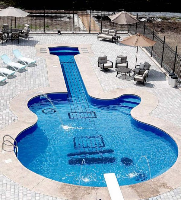 piscina chitarra