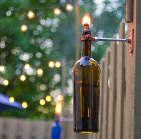 Torcia realizzata con bottiglie di vetro