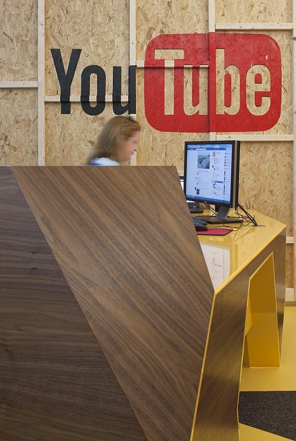 YouTube CSG