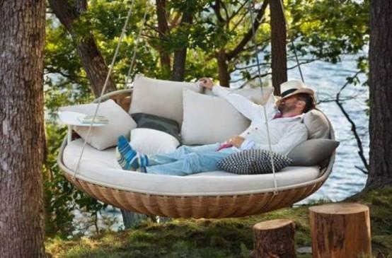 Letto Sospeso In Aria : Galleria foto un letto sospeso nell aria foto