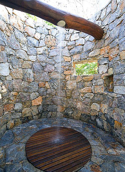 doccia esterna pietra