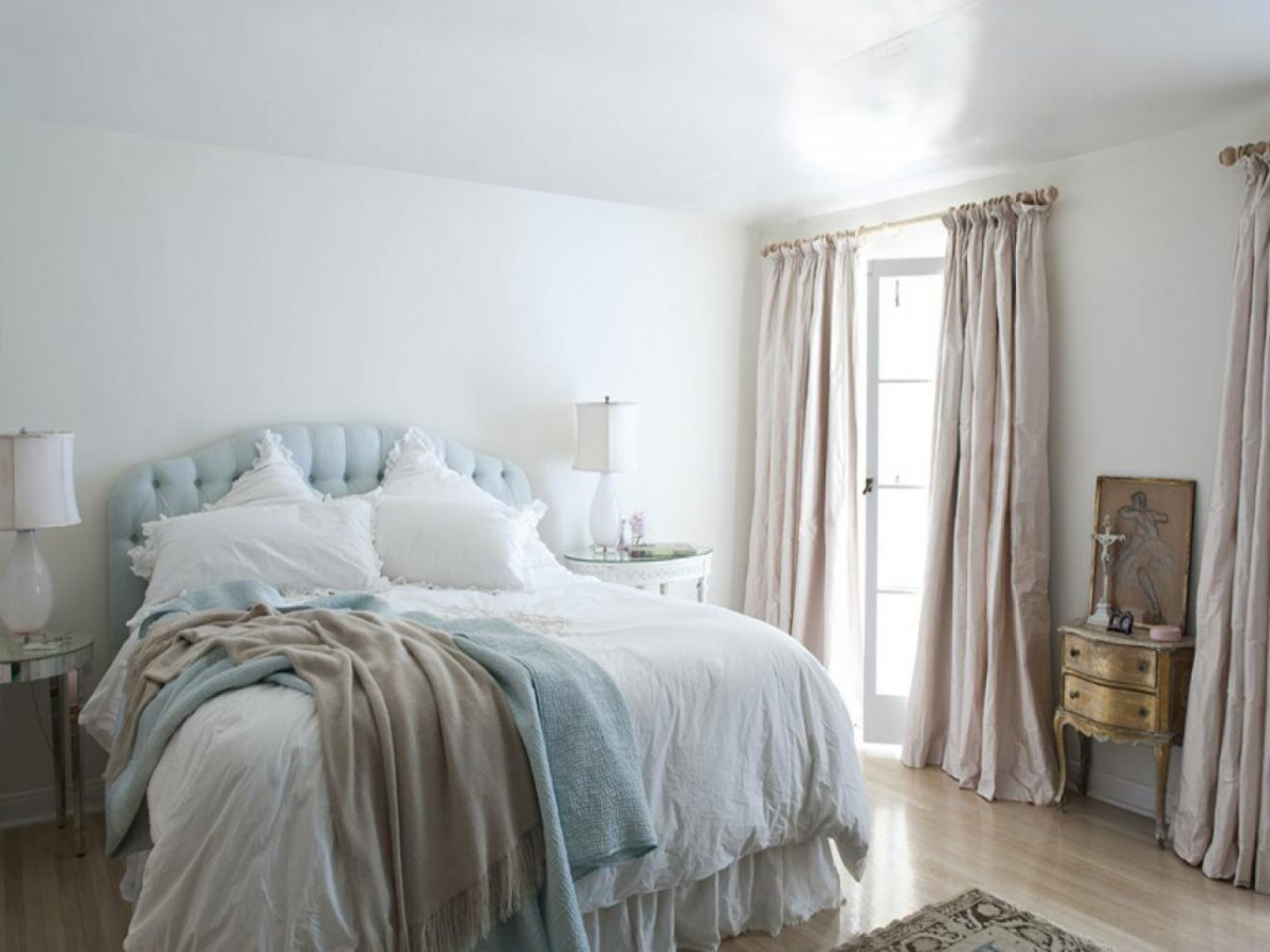Shabby chic arredamento e stile - Tende shabby camera da letto ...