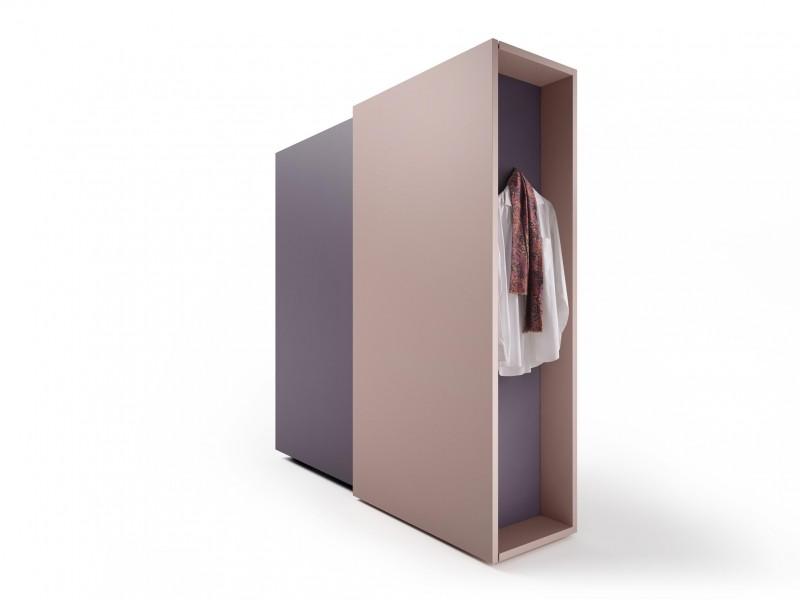 Armadio duee wardrobe di lago anteprima salone del mobile for Aziende di design