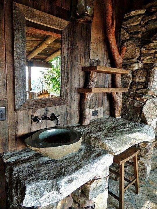 bagno-rustico-legno-pietra