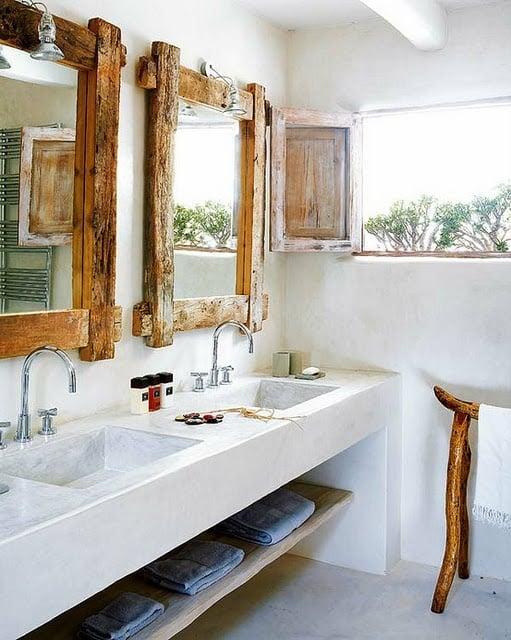 bagno-rustico-specchio-legno