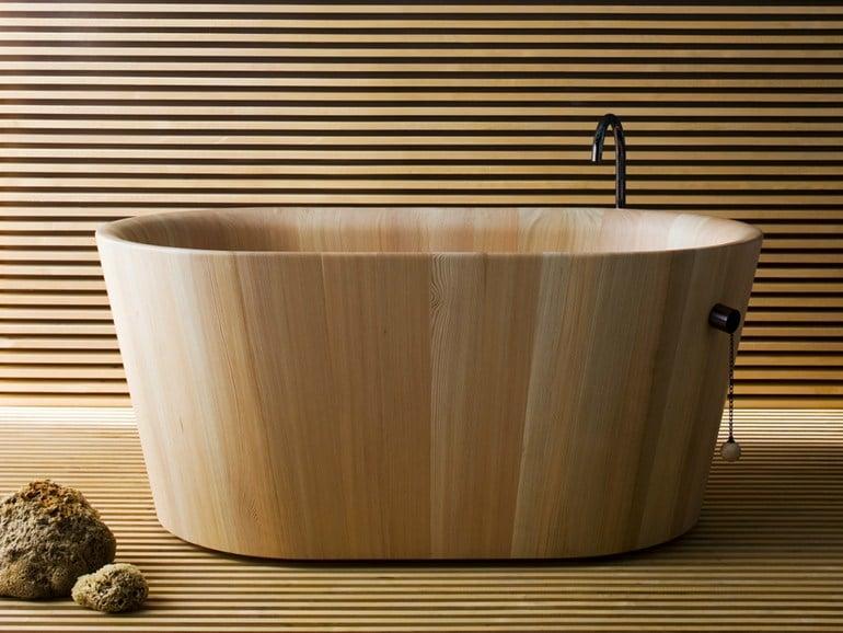 Come arredare un bagno piccolo rettangolare - Vasca bagno legno ...