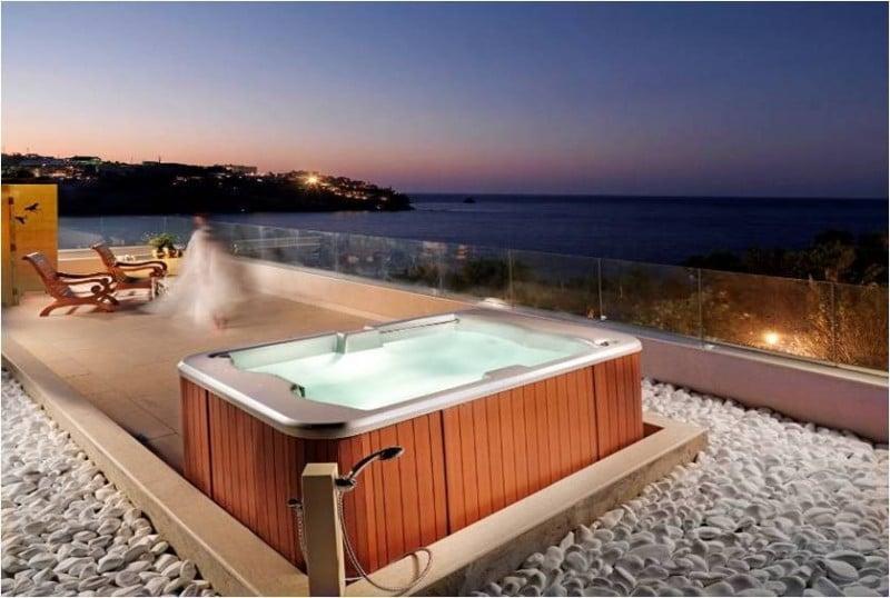 vasca-idromassaggio-terrazzo-pietre