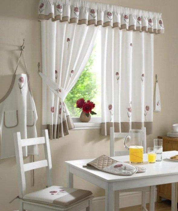 Galleria foto - 40 tende per finestre piccole Foto 3