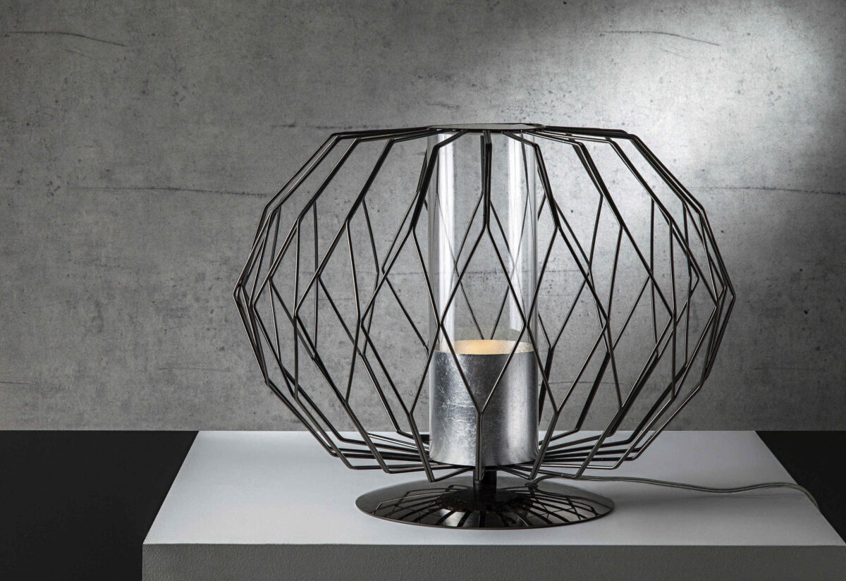 Milano le nuove lampade besana e opera