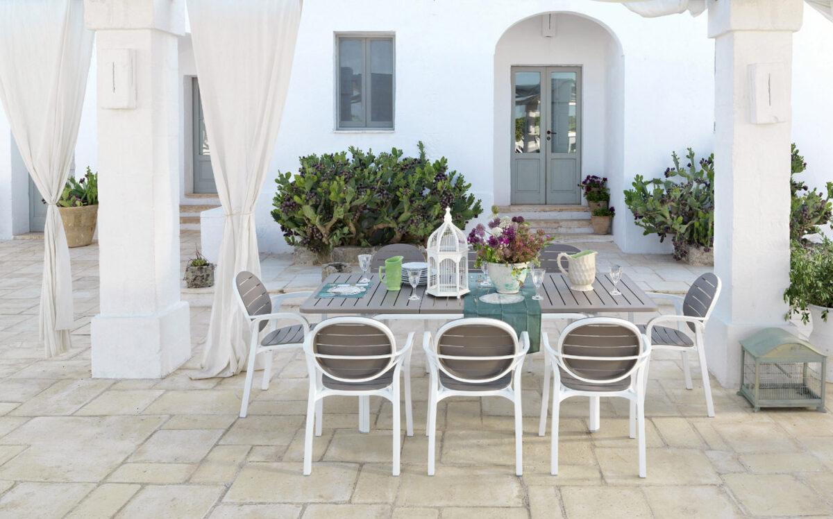 Tavoli e sedie giardino tendenze 2016 for Arredo giardino tavoli e sedie