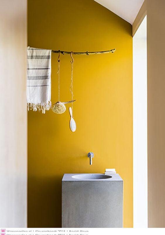 bagno-parete-giallo