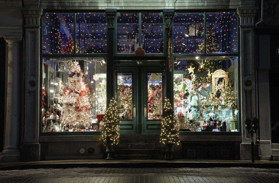 Addobbi natalizi per negozi