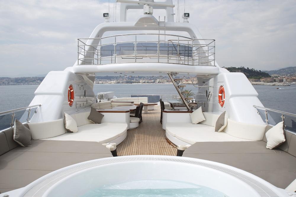Graff arreda i bagni del mega yacht talisman c1 for Megauno civitanova arredamento