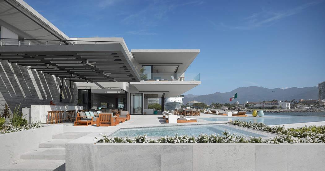 casa-lusso-piscina