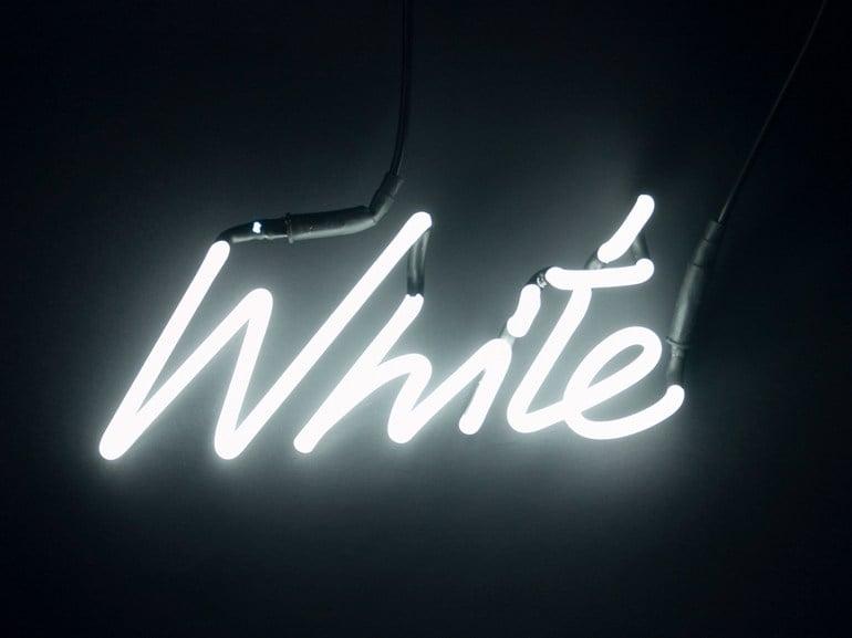 seletti-scritta-luminosa