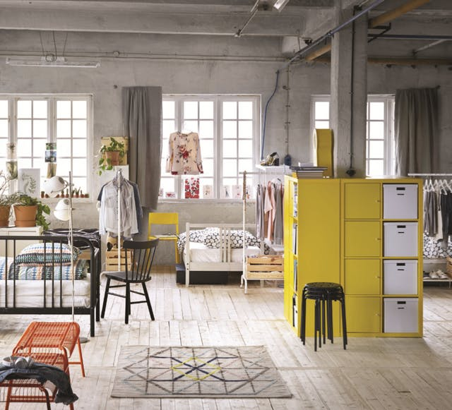 Casa arredata con mobili ikea - Ikea catalogo scrivanie ...