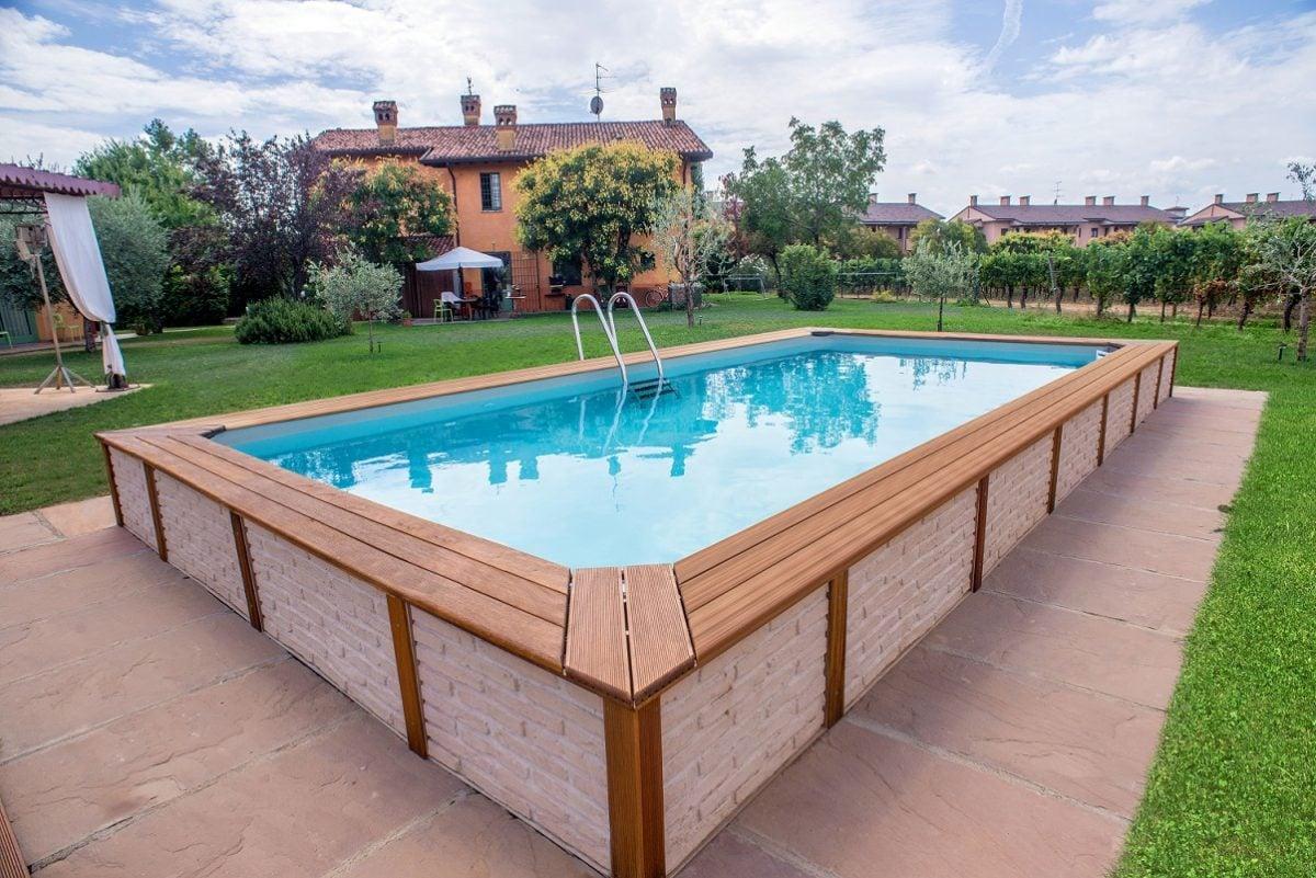 Piscine fuori terra in legno for Candele per piscina