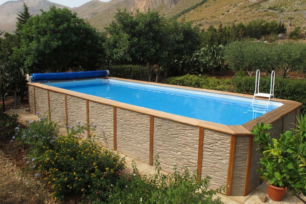 piscina-fuori-terra-rivestimento-pietra-