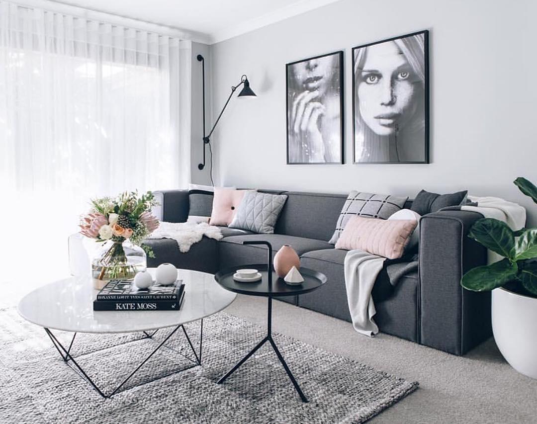 Soggiorno Con Divano Grigio Scuro color grigio: eleganza e sensualità per un colore moderno