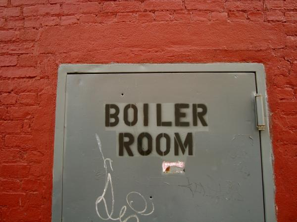 locale-caldaia-porta