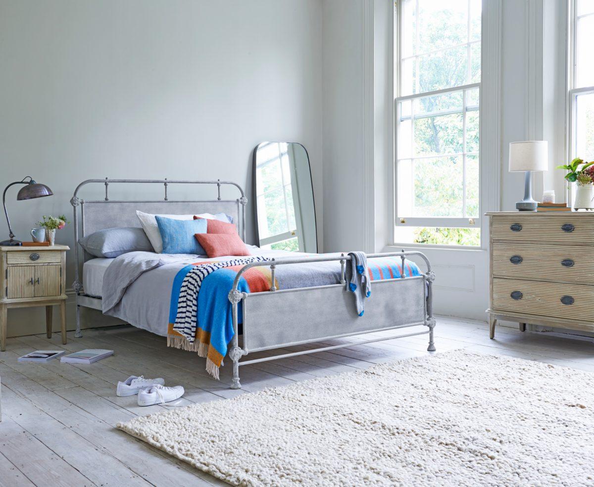 pavimento-industriale-camera-letto-legno-bianco