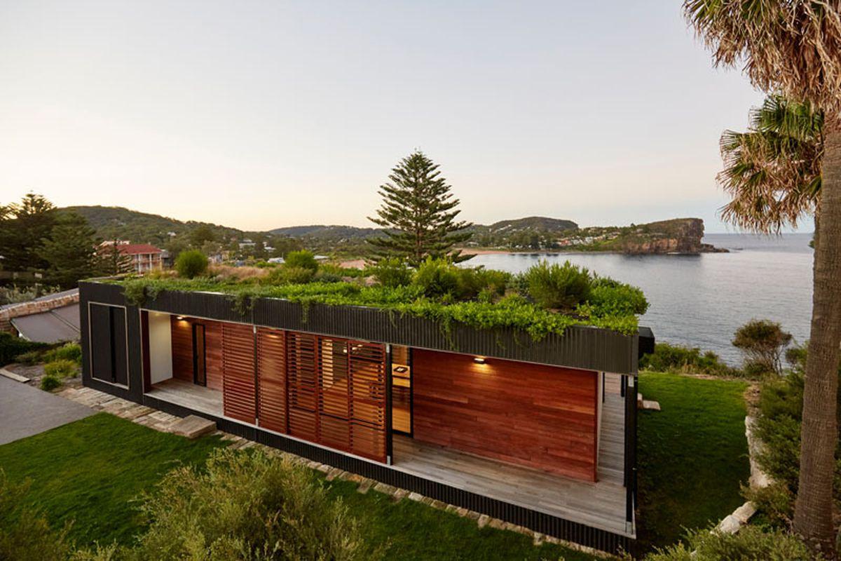 tetto-prefabbricato-verde-casa-lago