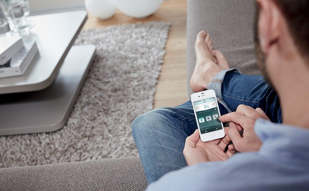 caldaia-moderna-smartphone