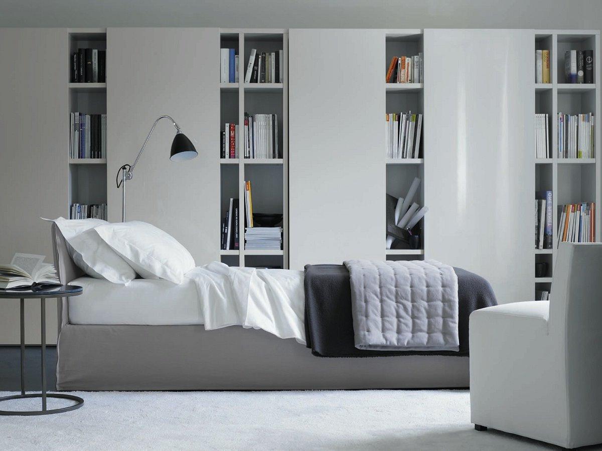 camera-da-letto-libreria-bianca