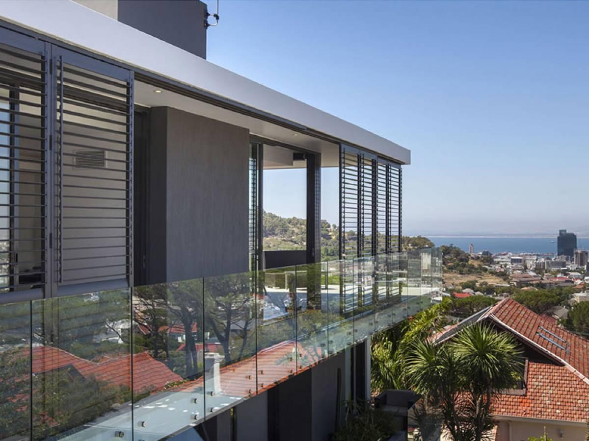 tapparelle-orientabili-balcone
