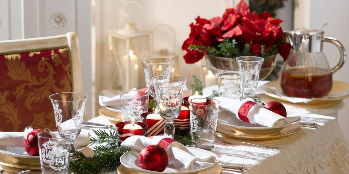Apparecchiare la tavola di natale for Decorazioni da tavolo natalizie