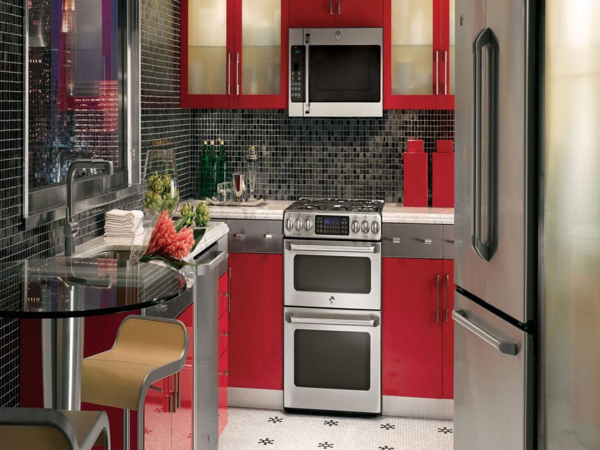 cucina-piccola-rossa-tavolinoo