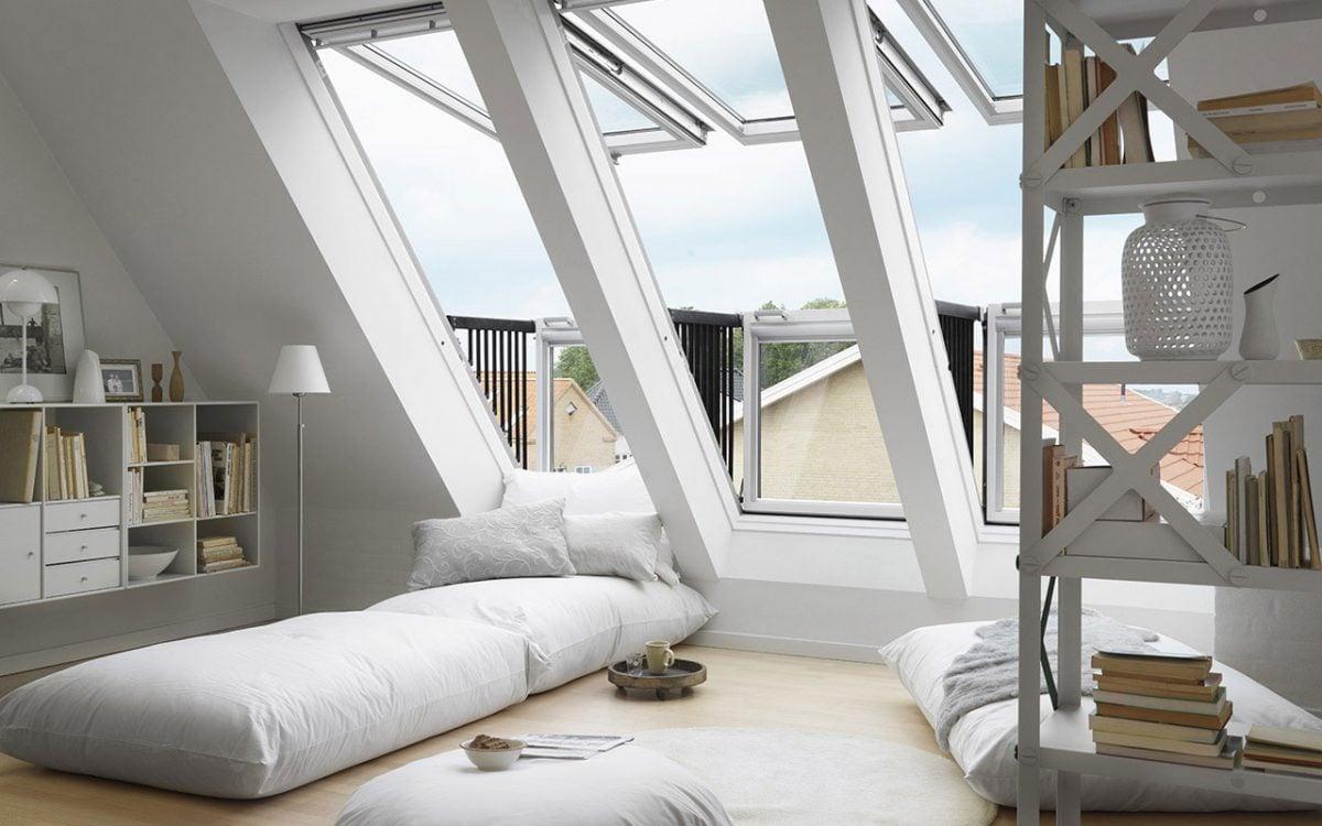 arredamento-mansarda-finestre-letto-basso